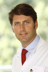 Prim Dr TJ von Oertzen, FRCP