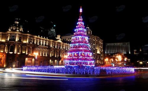 Azerbaijan has a mostly Muslim population, so Christmas is only celebrated by a few and not recognized as an official holiday. The few who celebrate it usually do so because they have ancestors or relatives wo cherish the tradition. Christmas trees however are customary, albeit they mark the new year. Also presents are handed over on New Year's Eve by the Azerbaijani Santa, Shakhta Babah. Celebrating the New Year with traditional Christmas decorations is rooted in the ban of religion during the USSR. Christmas was banned in 1928 and in 1935 its traditions re-instated in the form of secular New Year celebrations.