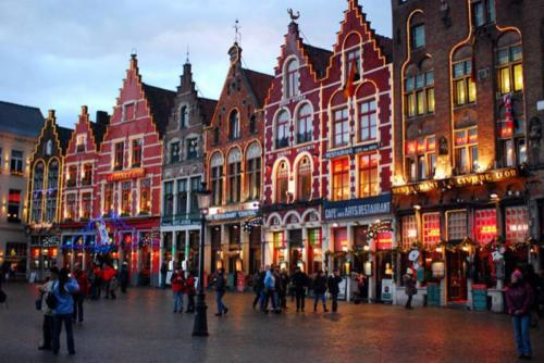 During December, the streets are decorated for Christmas, creating a beautiful atmosphere. Belgium is particularly famous for its Christmas crafts and cuisine, that attract visitors from all over the globe each year. Belgium has three official languages: Flemish-Dutch, French and German and each of them has their own Christmas traditions.