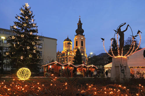 About half of Bosnia and Herzegovina's population is Muslim, 30% are Orthodox and 15% are Catholic. Therefore, some celebrate in December, some in January and others not at all. Nonetheless, Sarajevo has a lively Holiday market. Instead of Santa, Grandfather Frost brings the presents.