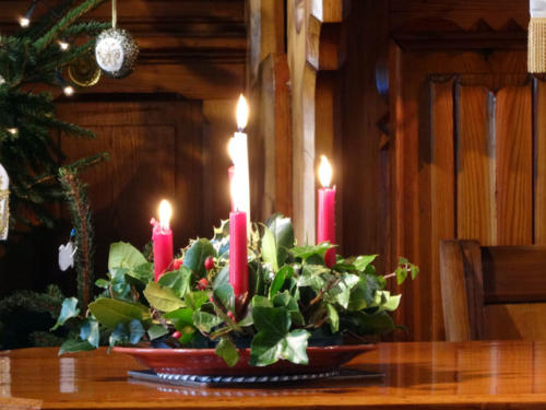 Most people in Croatia are catholics, so Advent is an important time for them. It is tradition, to have an Advent wreath with four candles, that symbolizes endlessness. The candles symbolize different parts of history and life: First candle (purple): creation – hope Second Candle (purple): embodiment - peaceThird Candle (pink): redemption - joyFourth Candle (purple): ending - love