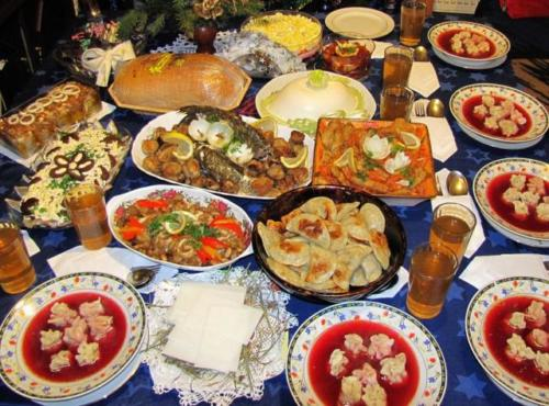 Polish people clean their homes thoroughly to prepare for Christmas. Traditionally, no food is to be eaten until the first star appears in the sky. Christmas Eve dinner is usually meat free and consists of 12 dives, representing good luck for the next 12 months as well es Jesus' 12 disciples.