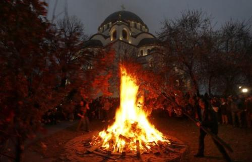 During Serbian Advent, which lasts from 28th of November through to 6th of December, many people fast and do not eat animal based foods like milk, eggs and meat. In Serbia too, a Yule log is brought into the home and burned throughout the evening and night and bonfires are lit on Christmas Eve outside many churches.